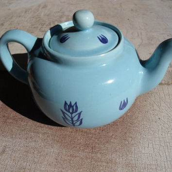 Vintage Cameron Clay Pottery Ceramic China Teapot Light Blue And Cobalt Blue BLUE TULIPS 1960s