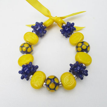 West Virginia Mountaineers Bracelet, WVU Jewelry, Navy Blue and Gold Beaded Bracelet
