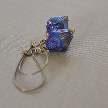 Blue Iris Earrings, Blue Glass, Iridescent Blue Earrings, Antiqued Brass, Kidney Wire, Czech Carved Glass, Baroque Earrings, Le Printemps