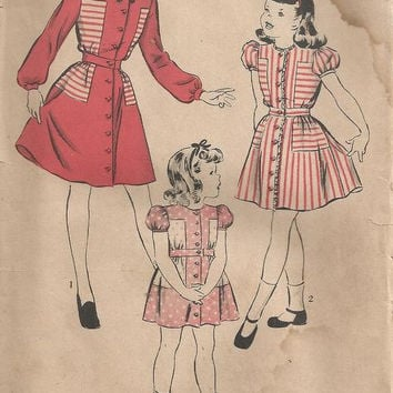 1940s Girls Dress with Puffed Sleeves and Varied Collars Hollywood Pattern 1984 Size 6 Years Breast 24 Hip 26