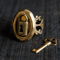 Locket Ring - Poison Gold Brass Padlock Secret Compartment