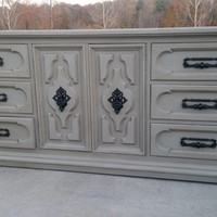 Chalk Painted Refinished Dresser/Buffet/Entertainment Stand/Annie Sloan Chalk Paint