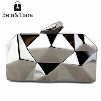 Name Brand Purses for Sale Small Iron Clutch Purse with Metal Chain Black Silver Gold Evening Clutches for Women Cheap Price