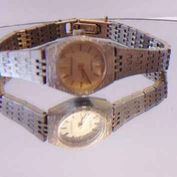 Vintage Bulova Ladies Watch Caravelle 6 Jewels Hong Kong Swiss Not Working