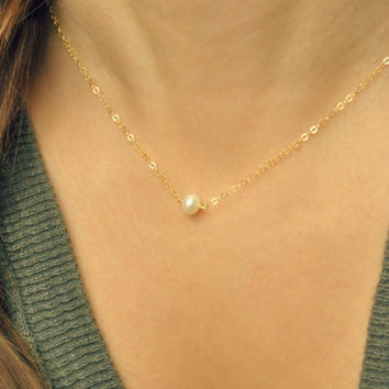 Tiny Freshwater Pearl Necklace, Minimal necklace, small pearl, pearl link, delicate pearl gold necklace, minimal pearl, bridesmaid //N-118