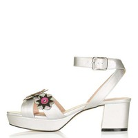LOUD Flower Platform Sandal - Shoes