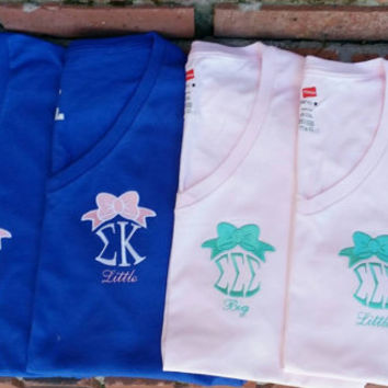 Monogram Sorority Bow Vneck Tee. Great for Big/Little or just greek letters.