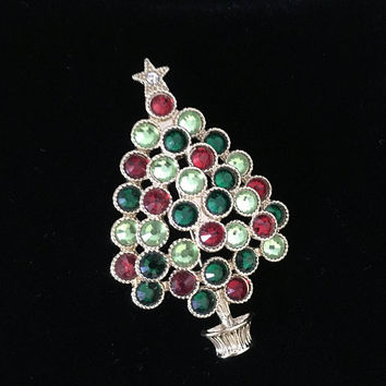 3-D Christmas Tree Brooch, Rhinestone Christmas Tree Pin, Vintage Christmas Tree Pin, Holiday Brooch, Rhinestone Christmas Pin, Hat Flair