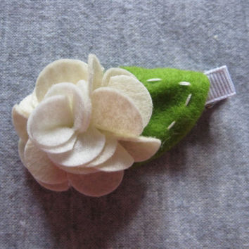 Women or girls feminine romantic wedding flower hair clip accessories - infant soft felt clippie - toddler spring hair clips - off white