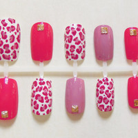 Valentines Day Pink False / Fake Nails with Cheetah Print Accent Nail and Gold Studs