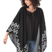 Q2 Wool Poncho In Pattern Knit With Tribal Print