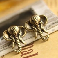 $3.99  Vintage Cute Elephant Stud Earring at online cheap vintage jewelry store Gofavor