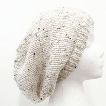 Slouchy hat  off white with flecks 5123