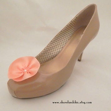Flower shoe clips, peach shoe clips, peach silk flower shoe clips, coral bridesmaid accessory, shoe accessories, peach wedding