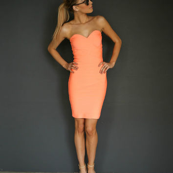 HAVANA SWEETHEART BODYCON DRESS - HOT CORAL