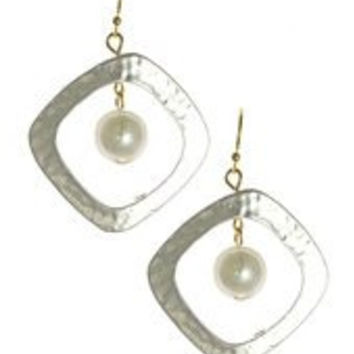 Womens Jewelry, a Imitiation Pearl in Hammered Silver Tone Metal Frame, Dangle Earrings, Dangle/drop Pearl Accent Pearl Hammered Silver Tone Metal Frame Dangle Earrings