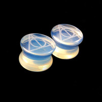 "Deathly Hallows Glass Plugs -Pick Color and Size- 2g (6mm) 0g (8mm) 00g (9mm) (10mm) 7/16"" (11mm) 1/2""(13mm) 9/16"" 14mm 5/8"" 16mm Ear Gauges"