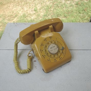 1970s Vintage Yellow Rotary Dial Telephone by Western Electric, Bell System, Curly Removable Headset Cord, Vintage Phone, Vintage Technology