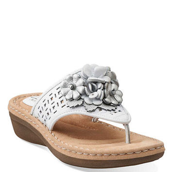 Clarks Posey Zela Leather Thong Sandals