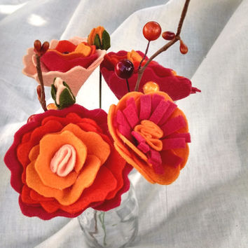 Red/orange/peach wildflower bouquet, floral stems, wool felt flower, fall bouquet arrangement, cottage chic,  summer, floral table decor
