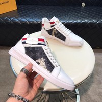LV Man Fashion Casual Shoes Men Fashion Boots fashionable Casual leather Breathable Sneakers Running Shoes Sneakers