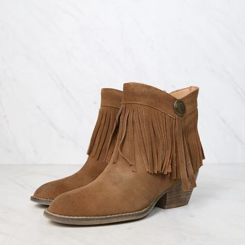 final sale - sbicca - pinto fringe ankle boots - tan