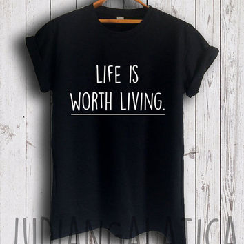 justin bieber shirt justin bieber life is worth living tshirt justin bieber merch shirt unisex size