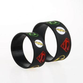 30PCS/Lot 1 Inch Wide Super Heroes Silicone Wristband Bracelet with Superman Batman Green Lantern The Flash