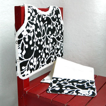 Black and White Gift Set Bib and Burp Cloth Boutique by maddywear