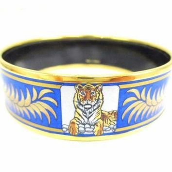 ONETOW Vintage Hermes cloisonne enamel golden thick bangle, bracelet with tiger and crown de Tagre?