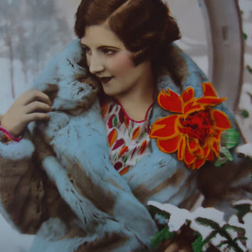 Antique french postcard – Lady flapper big fur coat, horseshoe, snow winter, pine tree, art deco, hand tinted rppc 1920 1930, vintage
