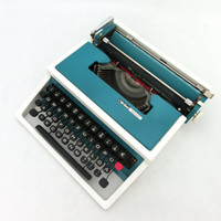 Vintage turquoise / white manual  typewriter Brillant SpecialT from 70s