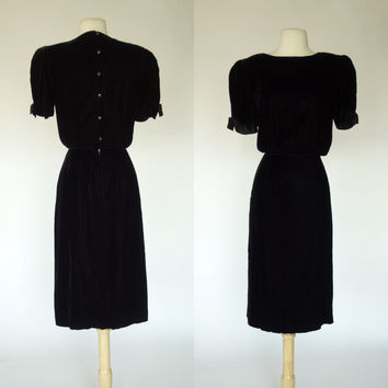 1980s black velvet dress, Albert Nipon designer, short sleeve sheath dress with satin bows, formal cocktail dress, Medium, Size 8