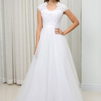 C.V Short Sleeve V Neck A line Tulle Wedding Dress Beading Lace Appliques White Custom Made Bridal Wedding Gowns China W0028