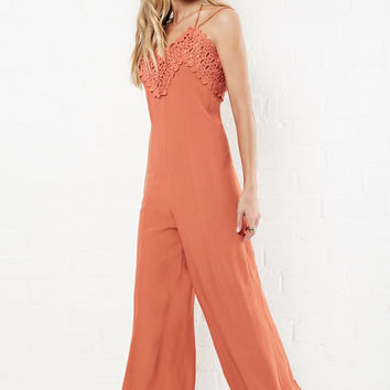 DailyLook: J.O.A Shaped Lace Bust Jumpsuit in Rust XS - L