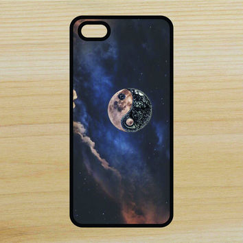 Yin Yang Moon Space V2 Art Phone Case iPhone 4 / 4s / 5 / 5s / 5c /6 / 6s /6+ Apple Samsung Galaxy S3 / S4 / S5 / S6