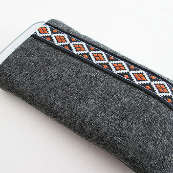 Wool Iphone 5s, Iphone 5c, Iphone 5 Sleeve IPhone case IPhone cover IPod case iPhone Sleeve (padded) Ribbon.