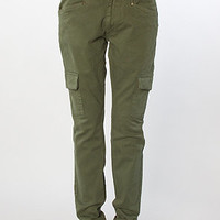The Cargo Slim Pant in Army