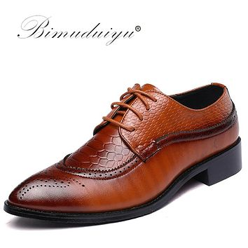 BIMUDUIYU Size 47 48 Fashion Mens Formal Dress Shoes Pointed Toe Bullock Oxfords Shoes Lace Up Designer Luxury Men Shoes