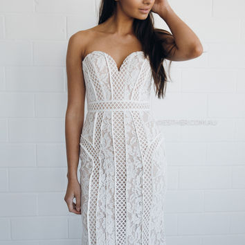 bariano emma fishtail lace gown - white/nude
