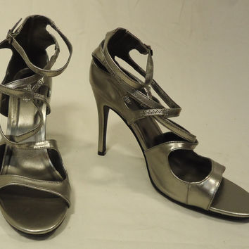 Charlotte Russe Gladiator Strappy Pumps Man Made Female Adult 6 Silver Solid 10-24cr -- New No Tags