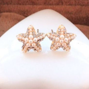 Lovely Simulated Pearl and Rhinestone Pentagram Starfish Earrings