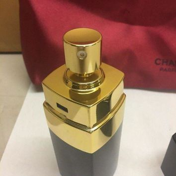 ONETOW NIB Chanel No 5 Gift Set 2 Pieces 1.7 fl oz Eau De Toilette & Bag