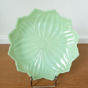 Fire King jadeite lotus plate, eight inch plate