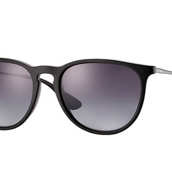 Look who's looking at this new Ray-Ban Erika Classic