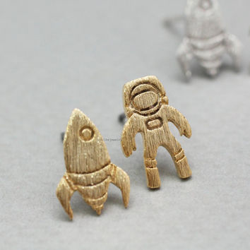cute and unique Astronaut and Rocket post earrings in 3 colors,(925 sterling silver/plated over Brass)E0790K