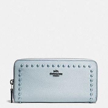 Medium Zip Around Wallet in Polished Pebble Leather With Lacquer Rivets