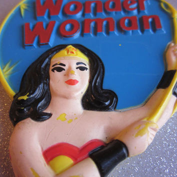 Vintage Avon Wonder Woman Mirror with Golden Lasso DC Comics Superhero 1978