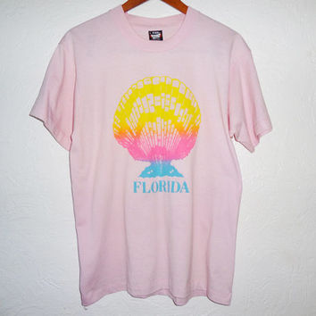 Vintage 90s Pastel Pink Florida Neon Sea shell Screen Stars t-shirt - large - 90s grunge -