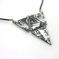 Modern necklace made in recycled CD : Black and iridescent articulated triangle - by Savousepate